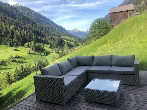 Luxus Chalet mit Pool & privater Sauna nahe Ischgl