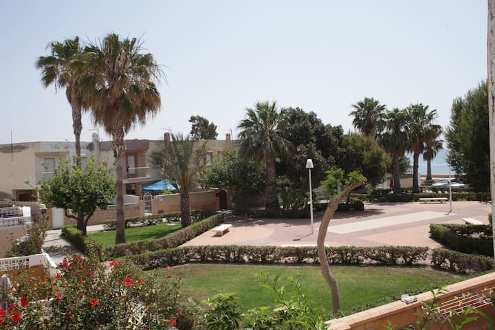 Muy cerquita del mar... - Almería - Casa