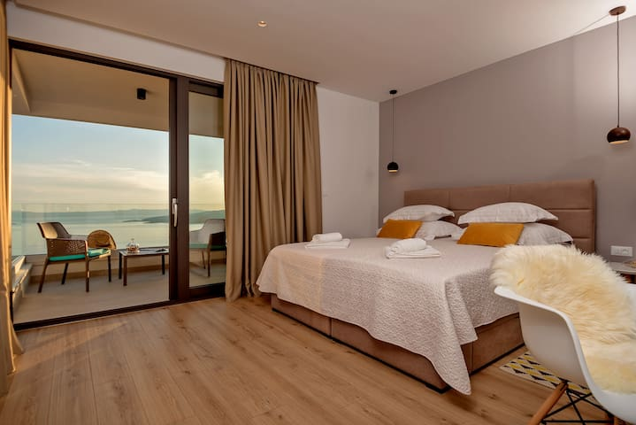 Villa Bellevue Bast - Yellow bedroom with the biggest terracce and fantastic view, the romantic one, the one you will absolutely enjoy
