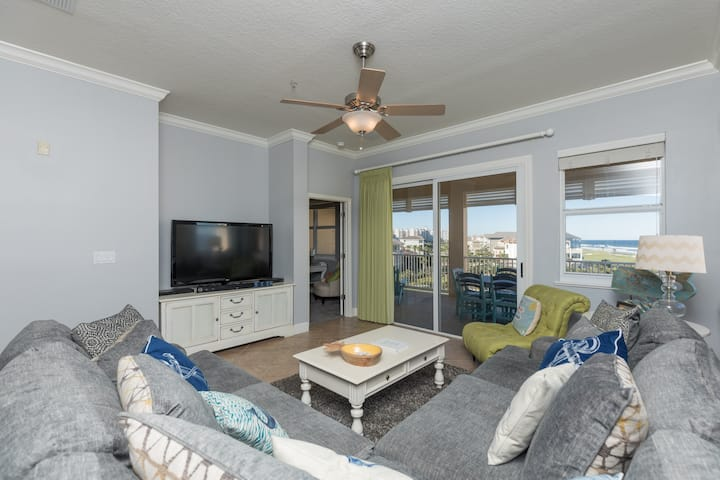 Newly remodeled Unit 355! 5th Floor Signature Ocean View Corner Beauty!!