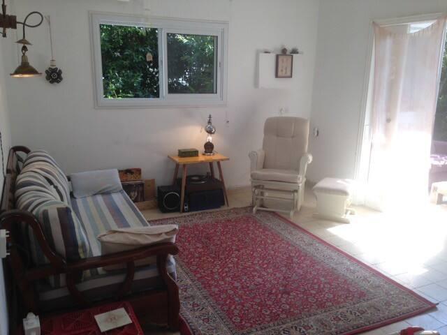 Homy, family-friendly north tel aviv apartment
