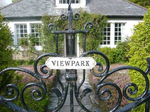 Private flat for two within charming house, Birnam