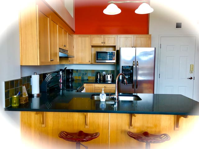 Enjoy Three Sisters @ UV Sanitized 2BR 2BA Loft