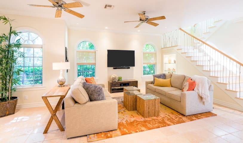 Waterfront Captiva with Private Dock and Pool
