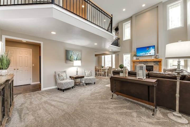 Union Woods in Salt Lake Modern Style with Hot Tub