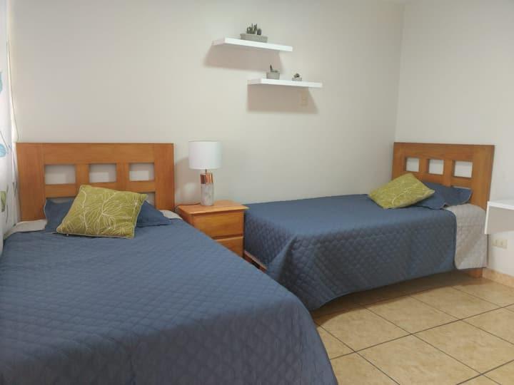 ❤HOME SWEET HOME 2❤:  Dormitorio con 2 camas-Surco