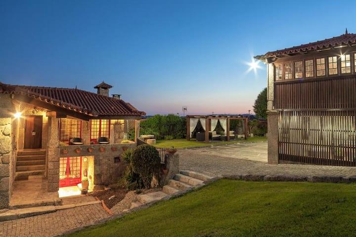 Villa Rústica com piscina, Barcelos iZiBookings
