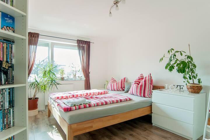 Gemütliches Zimmer in Langenhagen - Langenhagen - Şehir evi