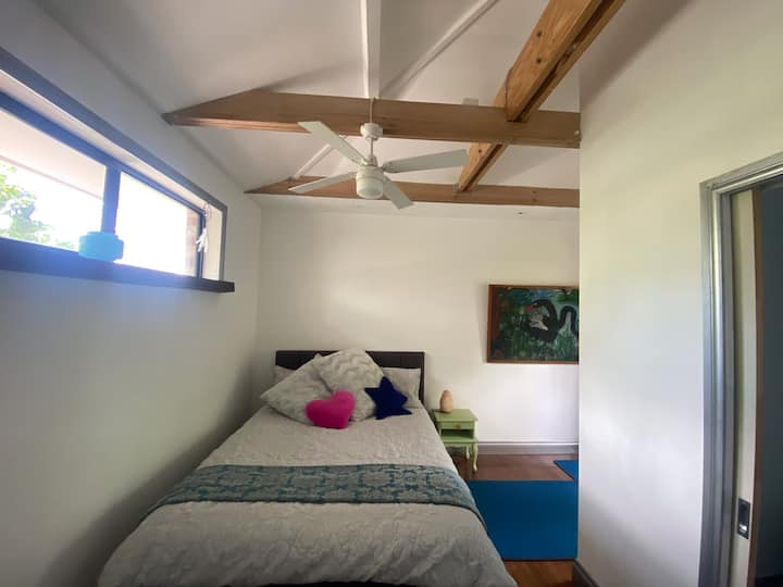 A Laverton self contained studio apartment