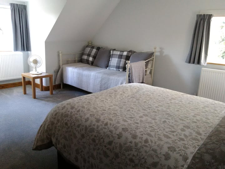 White Cottage B&B - Double Room with Ensuite