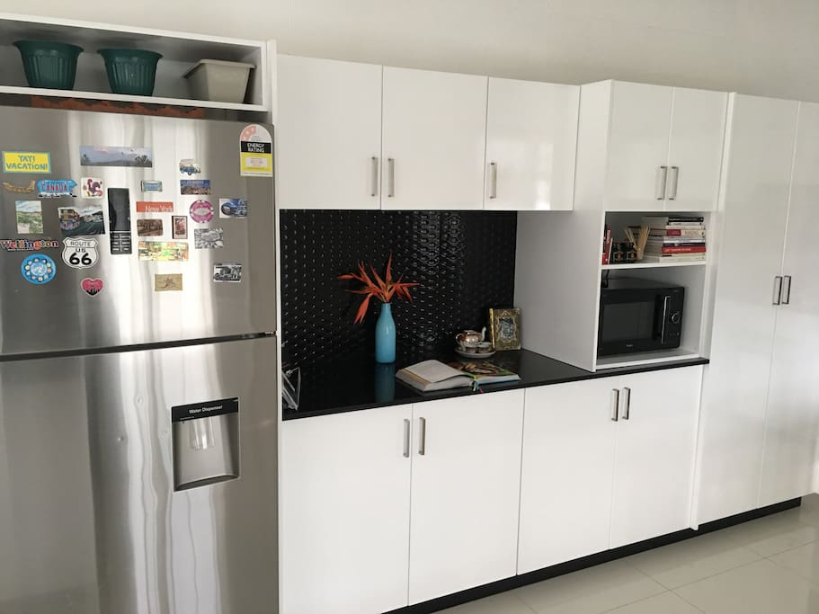 Kitchen (refrigerator, microwave oven, pantry)