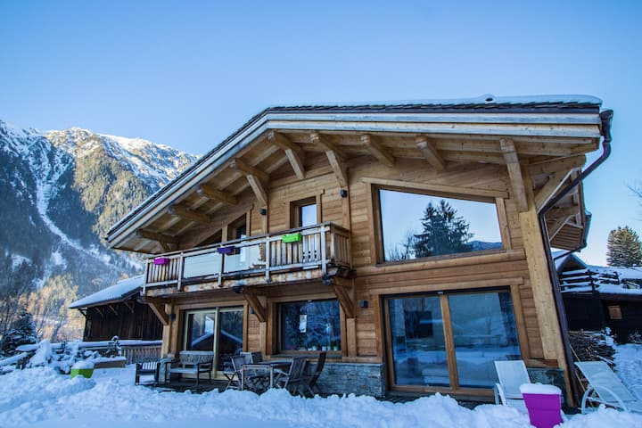 Chalet Les Bossons - Luminous with Mont Blanc view