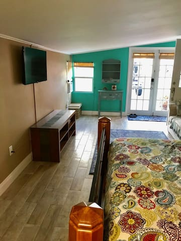 2nd Bedroom with sitting area