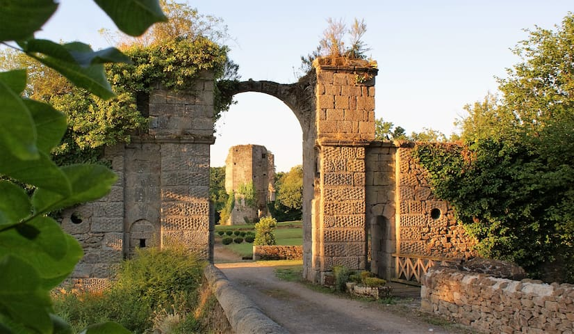 Château de la Chasse-Guerre - Hardanges