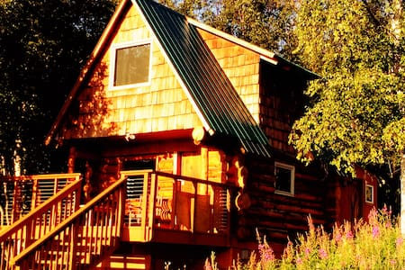 Log cabin retreat, with views - Anchorage
