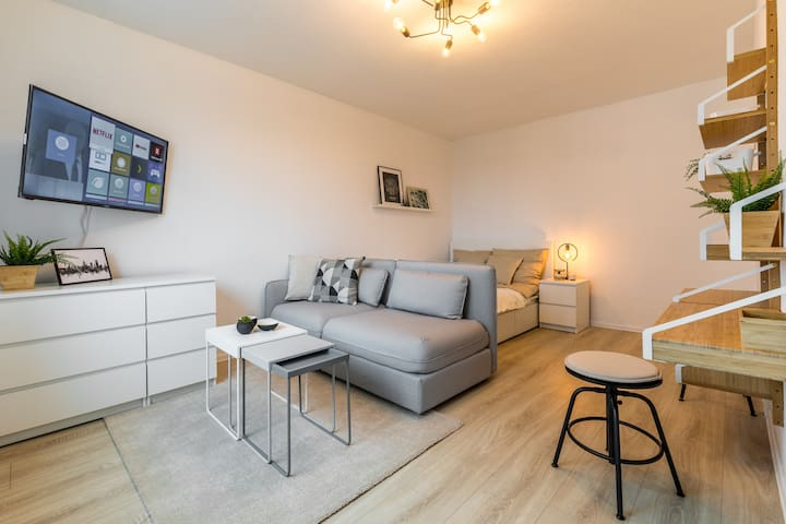 Clean and modern apartment /Netflix /Leipzig flair