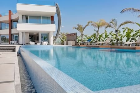 R890 6 Bedroom  Super Villa with Garden, Pool, Sea and Side Sea view - Breakfast Included