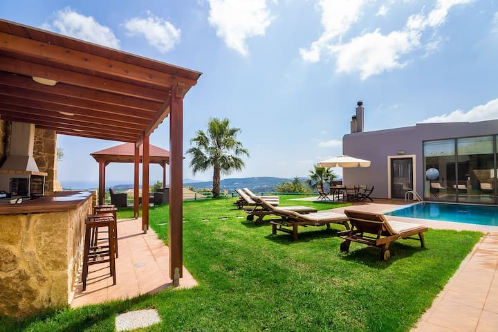 Luxury Villa With Heated Pool Close To Maleme - Xamoudochori - Villa