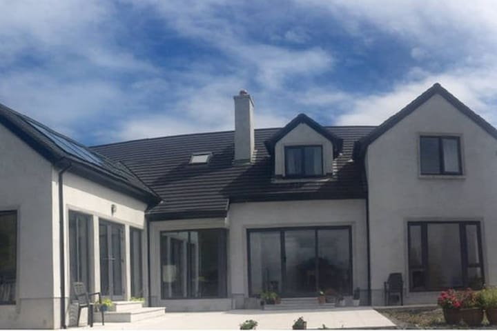 Croi na hEireann (Triple Room) - Athlone - Casa