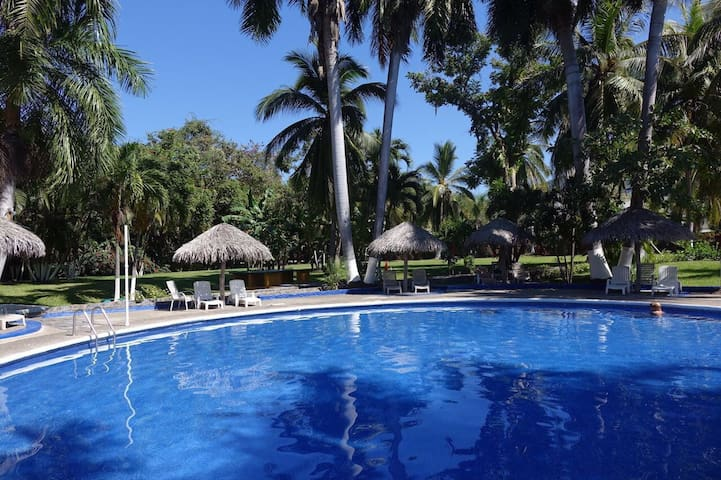 Incredible apartment for 6 people in Ixtapa.