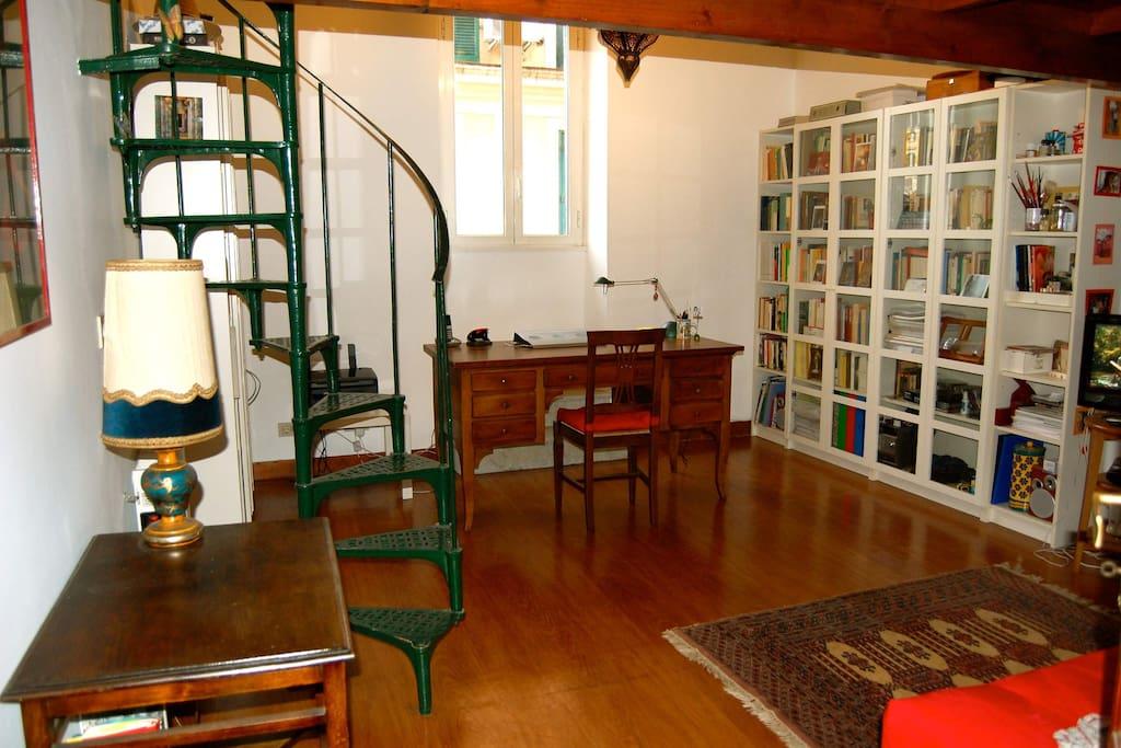 Apt trastevere trilussa appartamenti in affitto a roma for Affitto uffici roma trastevere