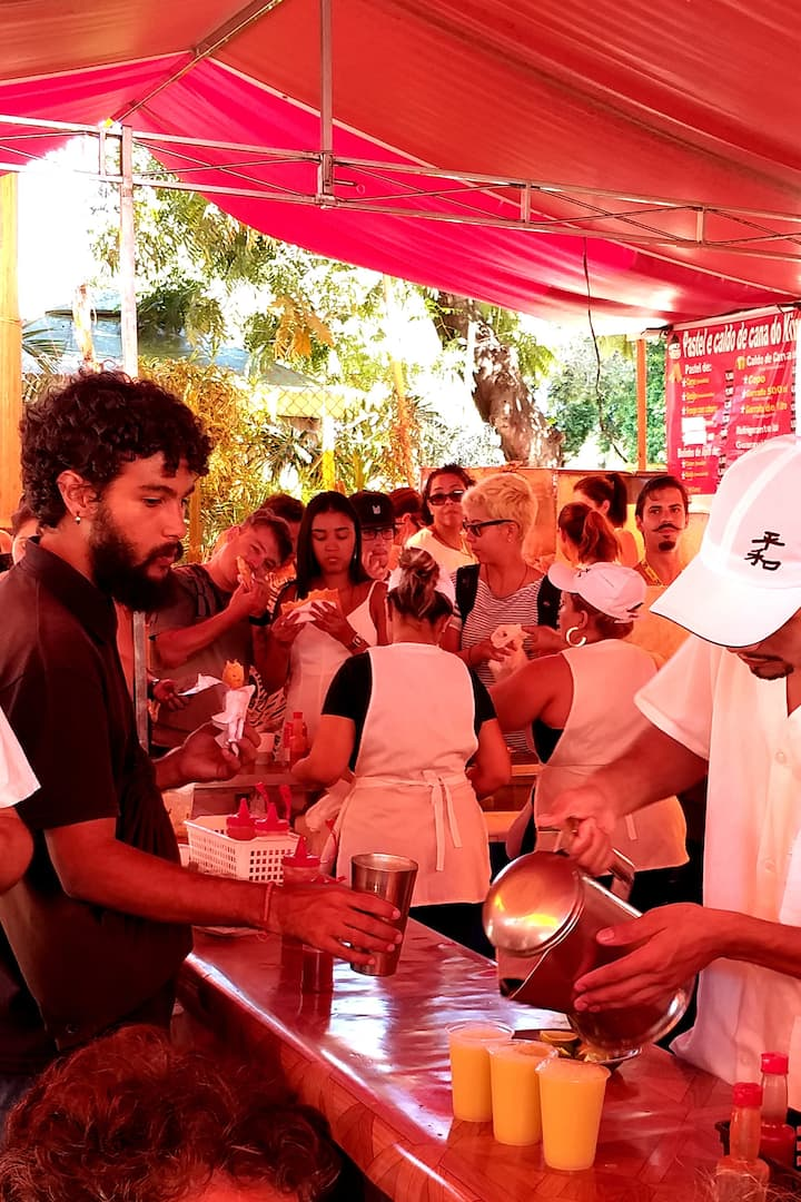 The famous and crowded Pastel stall
