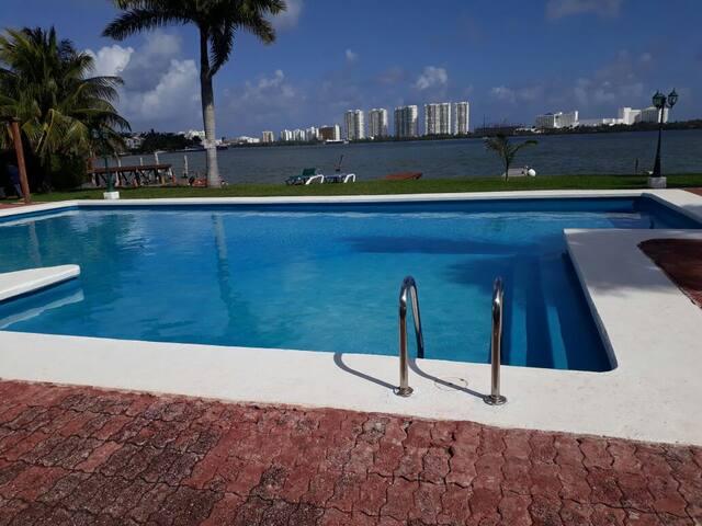 Estudio Zona Hotelera Cancún , vista laguna