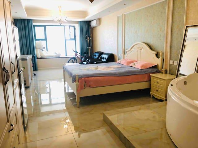 恒大浴缸海边浪漫公寓