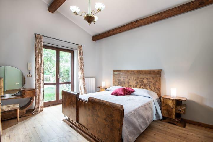 Rose Estruche 2: Bedroom nº1, The Master room