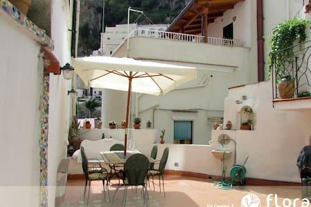 Flora Casa Vacanze - Atrani - Rumah