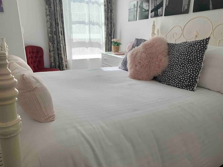 Sea Pinks - Dartmouth Town Centre Apartment