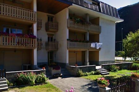 Ampio appartamento in centro a Pragelato - Pragelato