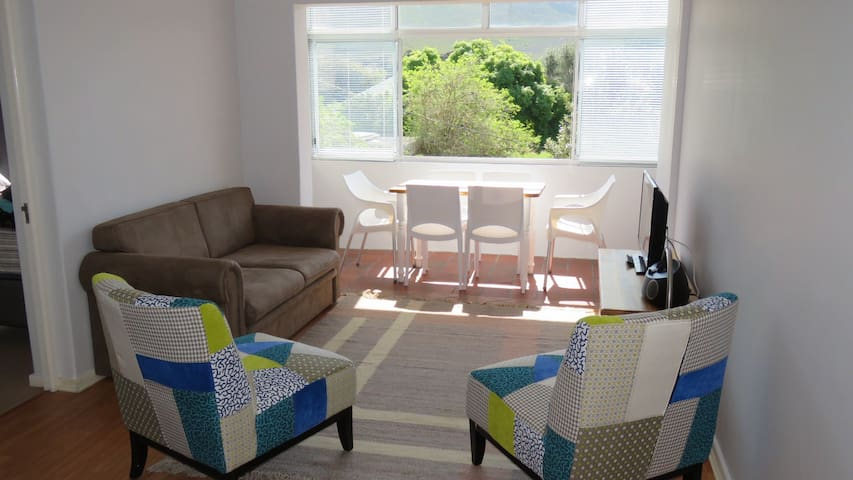 Hermanus,Self-Catering apartment- comfy and clean.