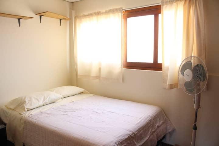 Pagas como hostel y te sientes como en casa (jes).