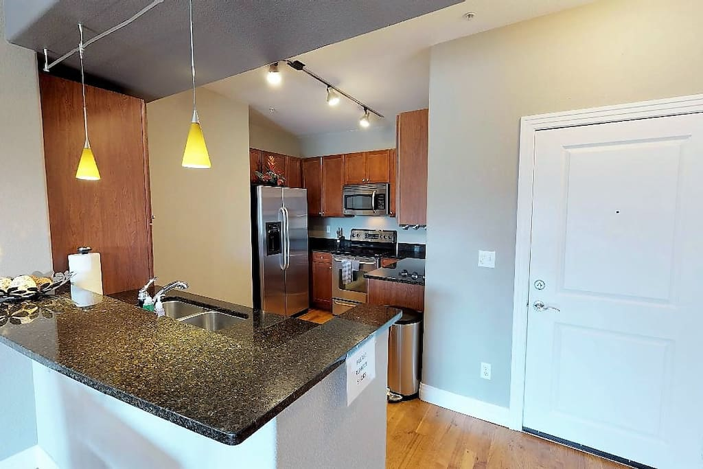 Spacious Kitchen: fully stocked with pots, pans, Keurig, all you need!