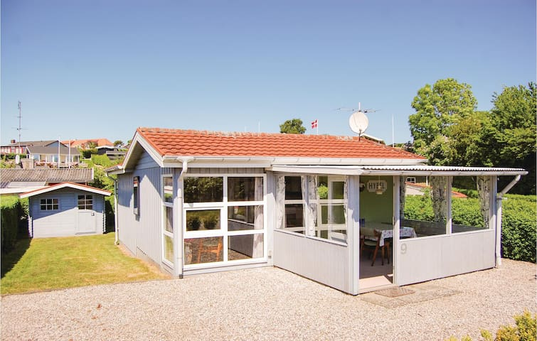 Holiday cottage with 1 bedroom on 51m² in Hejls