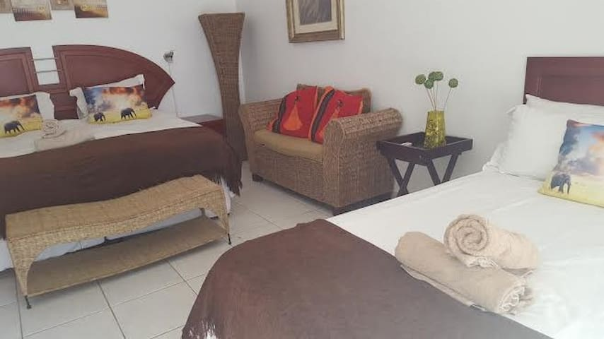 Old N New BnB, Umhlanga - Boshkom - Umhlanga - Bed & Breakfast