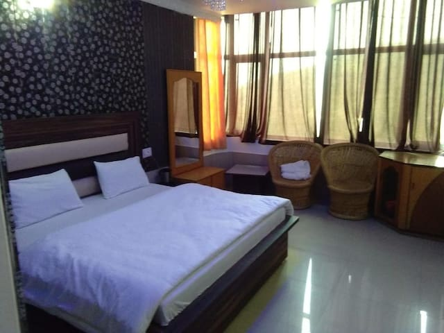 Super Deluxe Room for Three with Mountain View