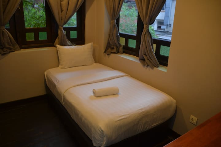 Single Room near Berjaya Times Square