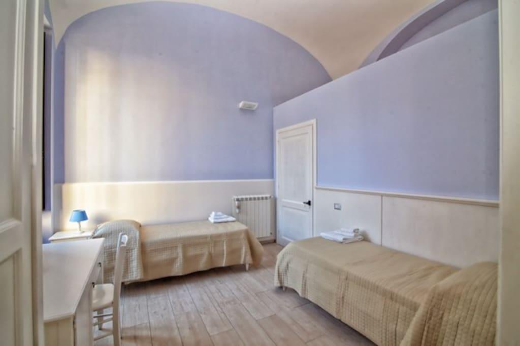 Blue bedroom con abbattimento barriere architettoniche