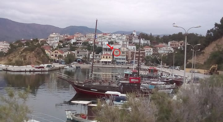 Cozy apartment with great view in Limenaria
