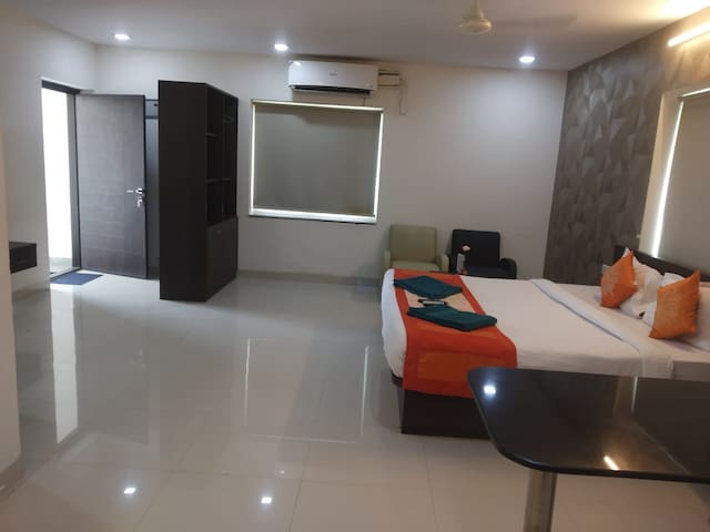 Luxury Home stay for families, bachlor in kondapur