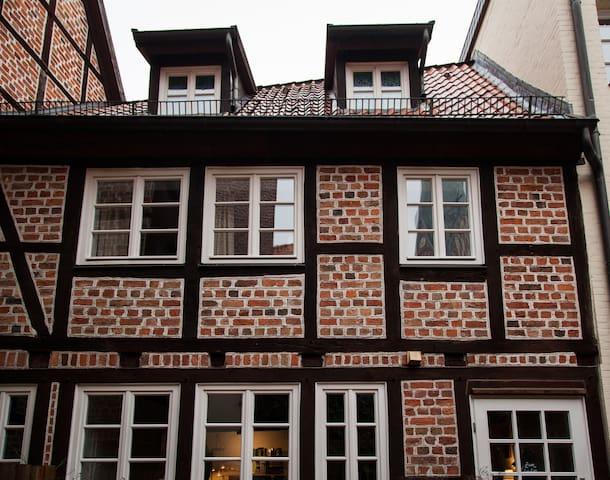 Charmante Altstadtwohnung am Sande - Lüneburg - Apartamento