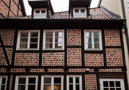 Charmante Altstadtwohnung am Sande - Люнебург