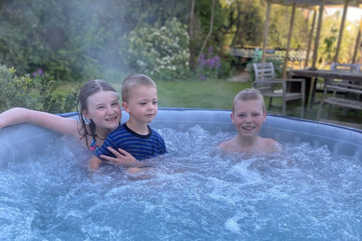 Large Woodbridge family home with hot tub