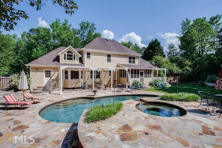 Beautiful home on Private lot
