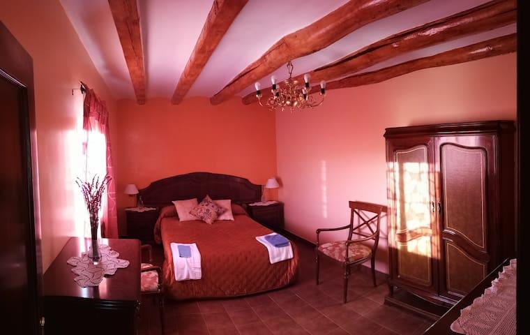 Habitación para pareja en increíble casa rural
