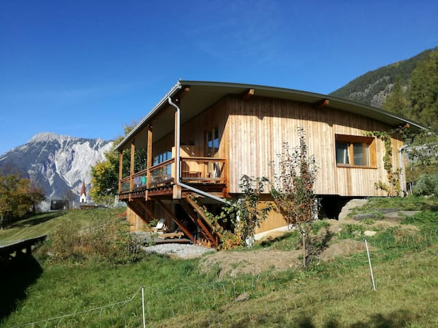 Exclusive for 2: Cosy, sunny house + amazing view