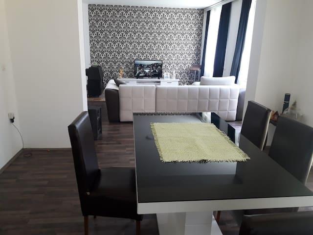 Apartmen M