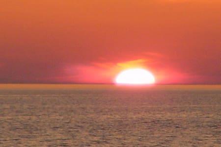 Sunset Beach #6 - Muskegon - Blockhütte